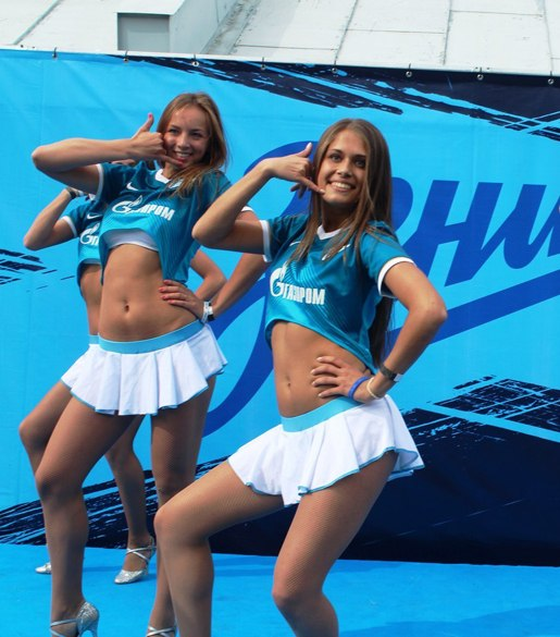 golie-devushki-iz-gruppi-podderzhki-zenita