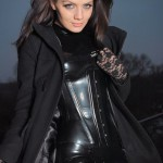 Valerie Tramell в пальто
